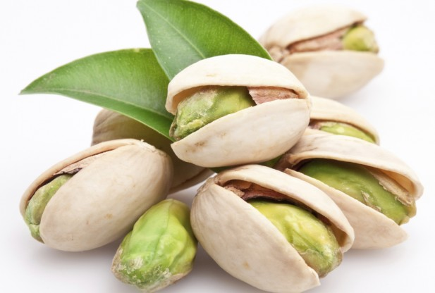 pistachio-for-skin-care
