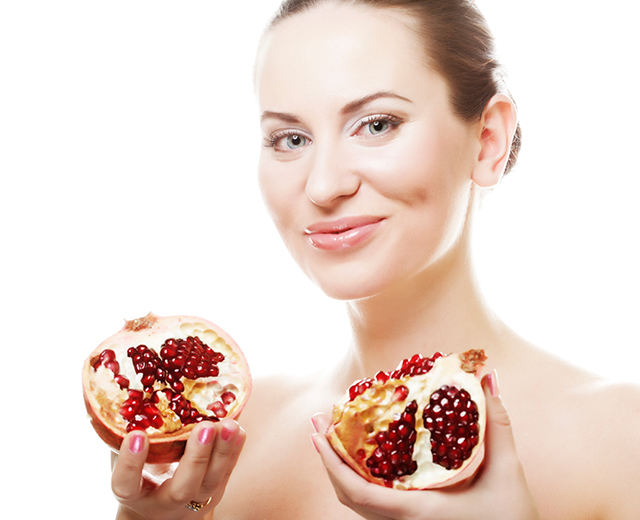 pomegranates-for-glowing-skin